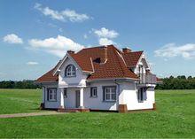 Красивый светлый дом с мансардой