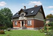 Уютный загородный коттедж в классическом стиле с мансардой и красивыми балконами