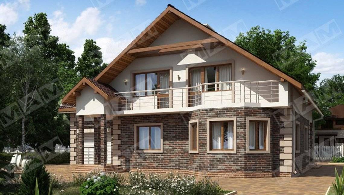 Загородный коттедж с большими балконами